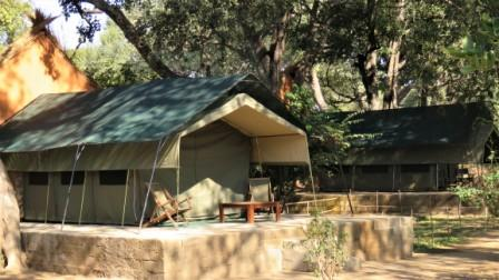 Croc Valley Camp River Tents